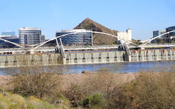 Tempe, Arizona: Neue Salt River Verdammung nach Frühlingsregen stockfoto
