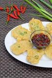 Tempe Mendoan, comida indonesia Foto de archivo