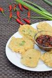 Tempeh Mendoan, indonesisches Lebensmittel Stockfoto