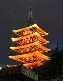 Tempel in Asakusa bij nigth, Tokyo, Japan Stock Foto