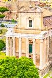 Tempel av Antoninus och Faustina, Roman Forum, Rome, Italien royaltyfri fotografi
