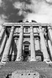 Tempel av Antoninus och Faustina, Roman Forum, Rome, Italien arkivbilder