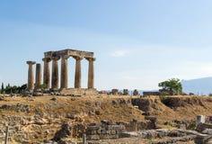 Tempel av Apollo i forntida Corinth, Grekland Royaltyfri Foto
