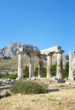 Tempel av Apollo i forntida Corinth, Grekland Arkivbilder