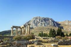 Tempel av Apollo i forntida Corinth, Grekland Arkivfoton