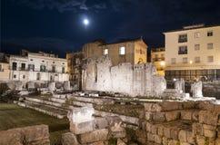 Tempel av Apollo vid natt i Ortygia - Siracuse royaltyfri bild