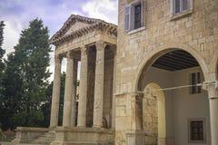 Tempel av Augustus i Pula Arkivbild