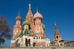 Tempel av basilika det välsignat i Moskva, Ryssland Royaltyfri Bild