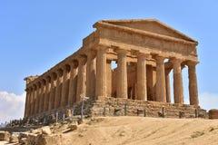 """Tempel av Concordia †""""dal Agrigento av för tempelâ€en """"†""""Sicilien †""""Italien Royaltyfri Bild"""