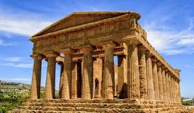Tempel av Concordia i Agrigento, Italien Royaltyfria Bilder