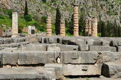 Tempel av den Apollo kolonner och crepidomaen royaltyfri bild