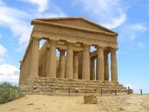 Tempel av den Concordia dalen av tempel Agrigento Sicilien Italien Arkivfoton