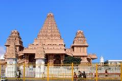 Tempel av den hinduiska komplexa Chattarpur mandiren Arkivbilder