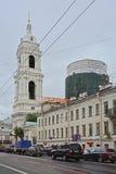 Tempel av den Sanka stora martyren Ekaterina på Vasilyevsky Island i St Petersburg, Ryssland Royaltyfri Bild