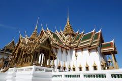 Tempel av Emerald Buddha, storslagen slott, Bangkok, Thailand Royaltyfri Bild