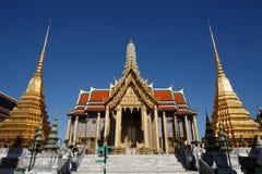Tempel av Emerald Buddha, Wat Phra Kaew, Bangkok, Thailand Royaltyfria Bilder