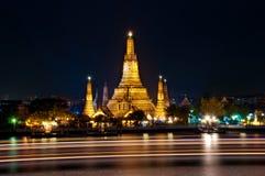 Tempel av gryning (Wat Arun) Royaltyfria Bilder
