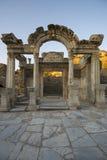 Tempel av Hadrian i Ephesus, som byggdes runt om ANNONS 138 Fotografering för Bildbyråer
