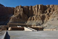 Tempel av Hatshepsut royaltyfria foton