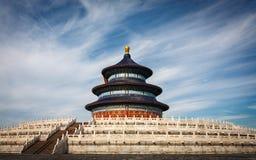 Tempel av himmel från sidosikt Royaltyfri Bild