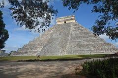 Tempel av Kukulkan, pyramid i Chichen Itza, Yucatan, Mexico Royaltyfri Bild