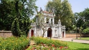 Tempel av litteratur i Hanoi royaltyfria foton