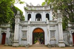 Tempel av litteratur, Skåpbil Mieu-Quoc Tu Giam, hanoi Arkivbilder