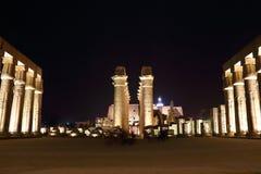 Tempel av Luxor på natten Arkivbild