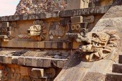 Tempel av quetzalcoatl III som är teotihuacan Arkivfoto