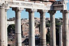 Tempel av Saturn i Rome, Italien Royaltyfri Fotografi