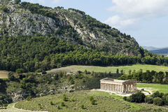 Tempel av Segesta från över Royaltyfria Bilder