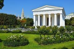 Tempel av Theseus i Wien Volksgarten, Österrike Royaltyfri Bild
