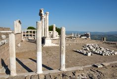 Tempel av Trajan på Pergamos Royaltyfri Foto