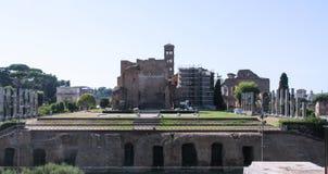 Tempel av Venus och Roma royaltyfria foton