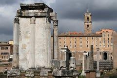 Tempel av Vesta i Roman Forum royaltyfria foton