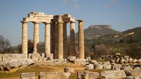 Tempel av Zeus i forntida Nemea, Grekland royaltyfria foton