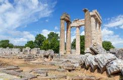 Tempel av Zeus i forntida Nemea, Peloponnese, Grekland Arkivbild