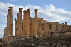 Tempel av Zeus, Jerash Royaltyfri Bild