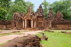 Tempel Banteay Srei in Angkor Stock Images