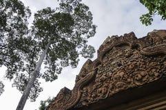 Tempel BANTEAY SREI, weit preisend als ` kostbares Edelstein ` oder das ` Juwel der Khmerkunst ` stockbild