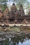 Tempel Banteay Srey ruiniert Xth-Jahrhundert auf einem Sonnenuntergang, Siem Reap, Kambodscha lizenzfreies stockbild