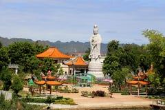 Tempel bij rivierkwai Royalty-vrije Stock Afbeeldingen