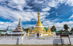 Tempel Chong Klang och Chong Kham i det Mae Hong Son landskapet, Nort Royaltyfri Bild