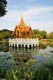 Tempel in de tuin Stock Foto's