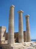 Tempel der dorischen Säulen ruiniert Lindos lizenzfreie stockbilder