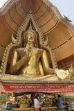 Tempel der Höhle des Tigers Wat Tham Khao Noi Goldenes Buddh Lizenzfreie Stockfotos