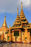 Tempel des Shwedagon-Pagodenkomplexes, Rangun, Myanmar Lizenzfreie Stockbilder