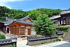 Tempel Donghwasa Arkivfoto
