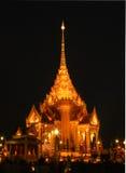 Tempel efter solnedgång Fotografering för Bildbyråer