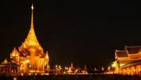 Tempel efter solnedgång Royaltyfri Foto